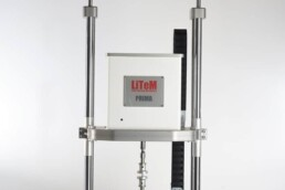 Macchina pneumatica per prove a fatica con piatti di compressione